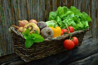 老化促進物質を上手に減らす食べ方をシェア